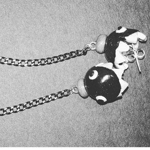 Jewelry - Chain chomp earrings